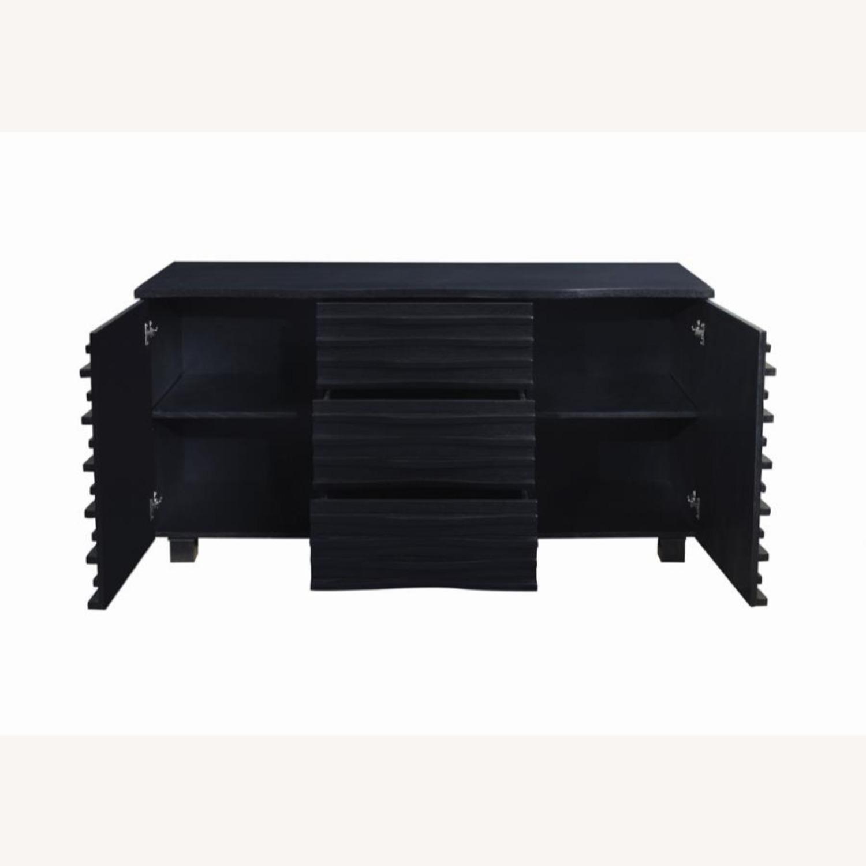 Server In Black W Layered Wave Design - image-1