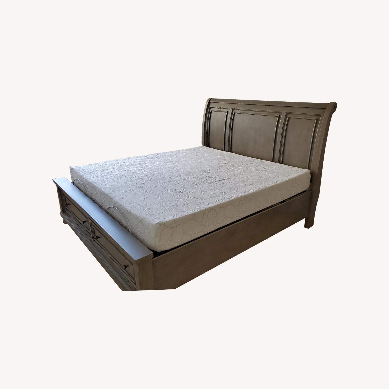Ashley Furniture King Size Adjustable Base - image-4