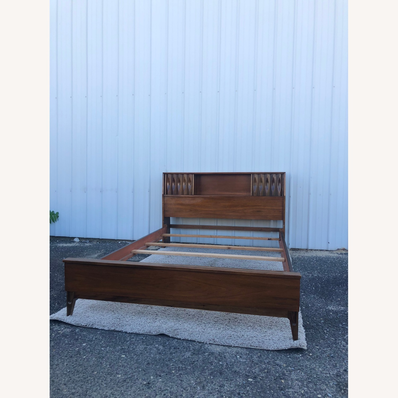 Thomasville Mid Century Full Size Bed Frame - image-4