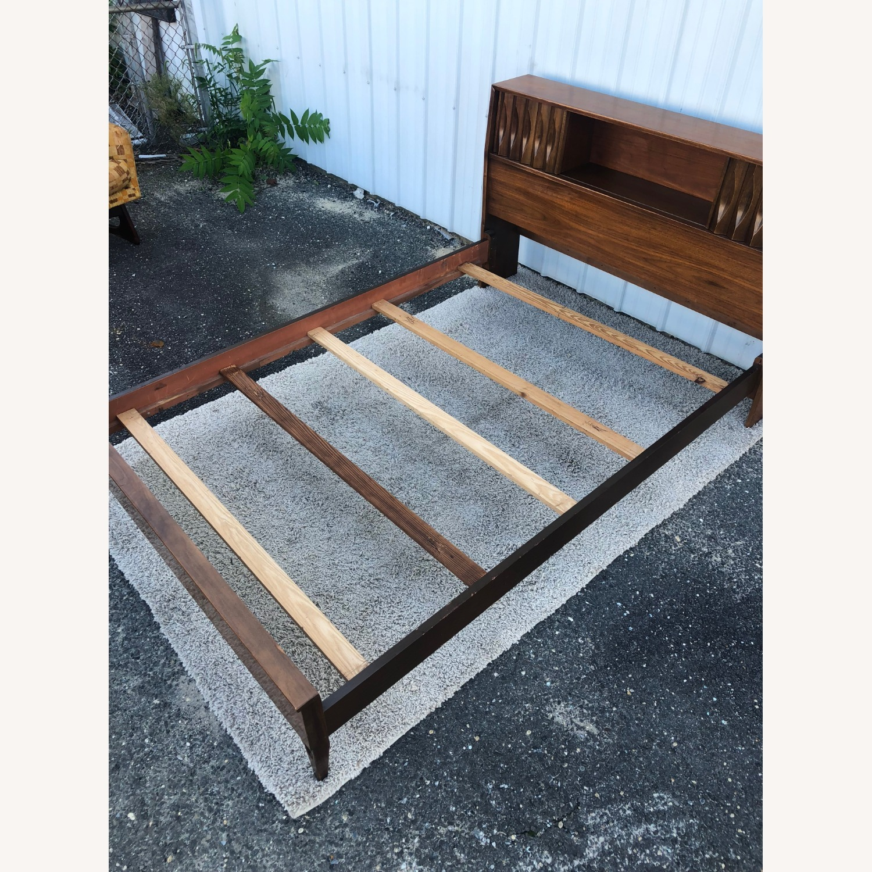 Thomasville Mid Century Full Size Bed Frame - image-9