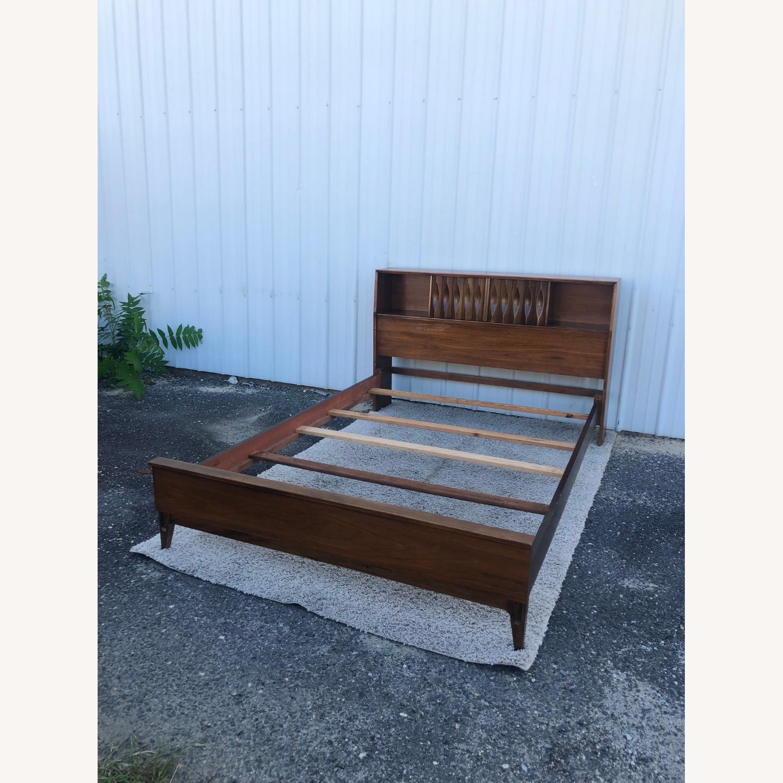 Thomasville Mid Century Full Size Bed Frame - image-15