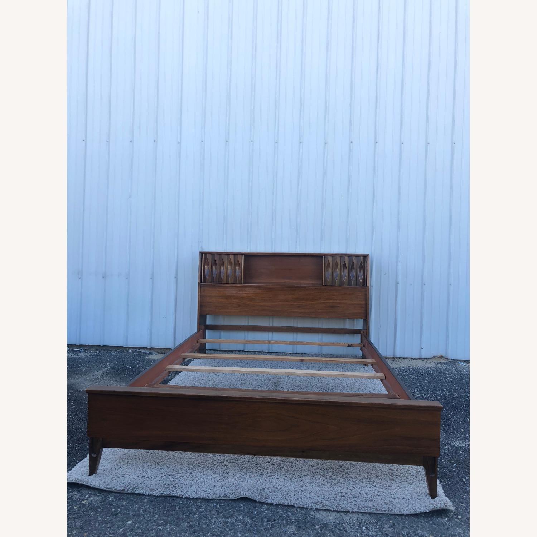 Thomasville Mid Century Full Size Bed Frame - image-2