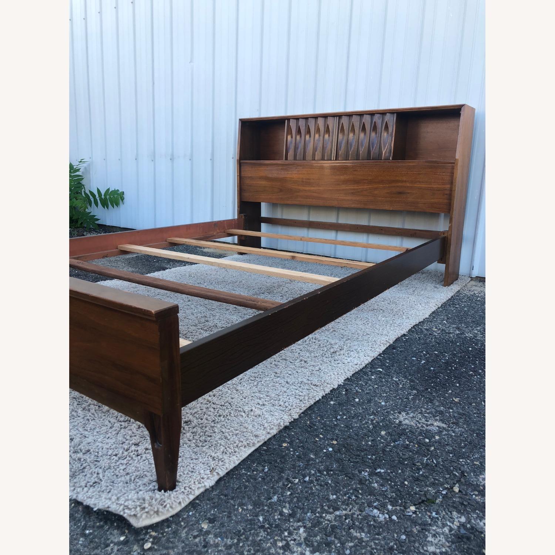 Thomasville Mid Century Full Size Bed Frame - image-13