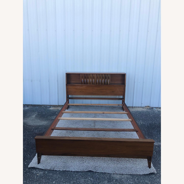 Thomasville Mid Century Full Size Bed Frame - image-11