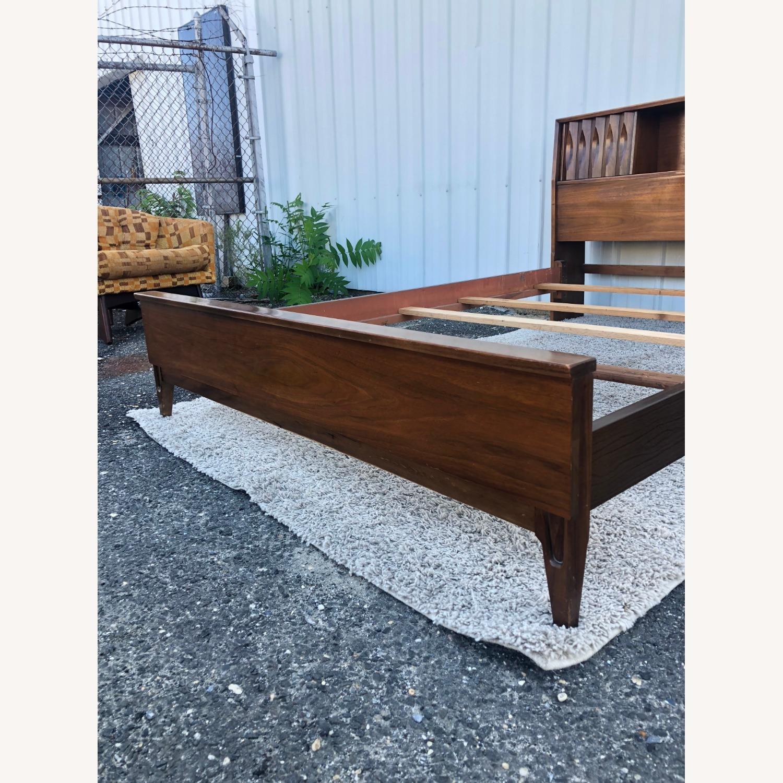 Thomasville Mid Century Full Size Bed Frame - image-10