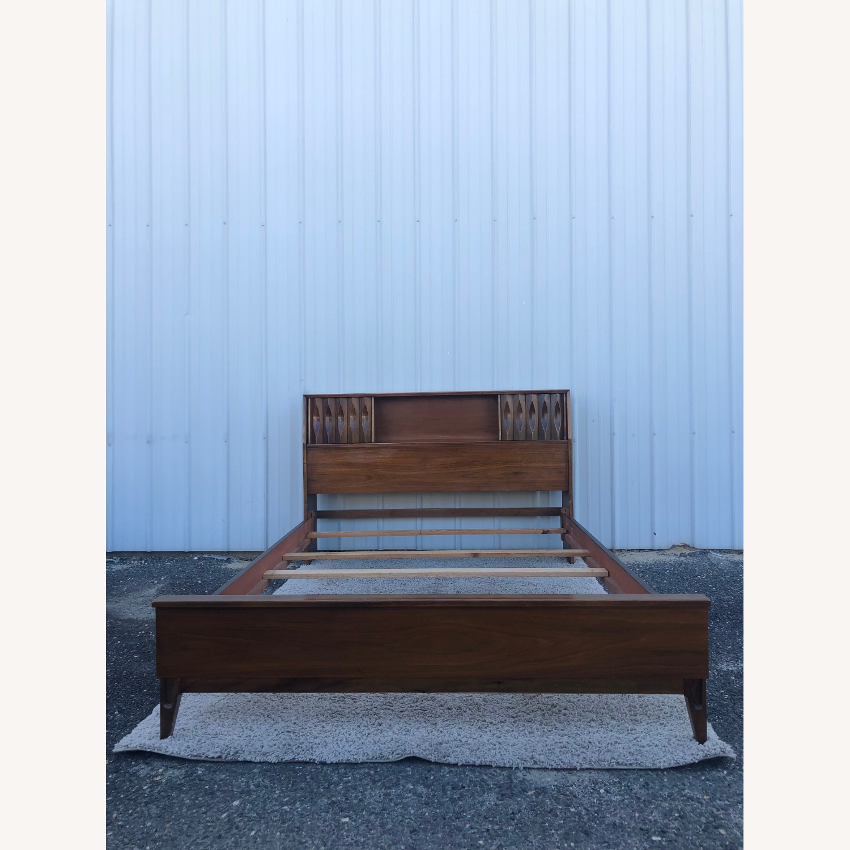 Thomasville Mid Century Full Size Bed Frame - image-5