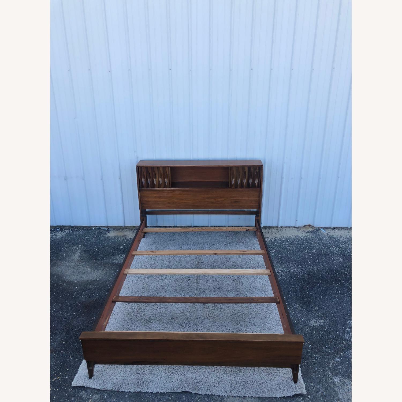 Thomasville Mid Century Full Size Bed Frame - image-7