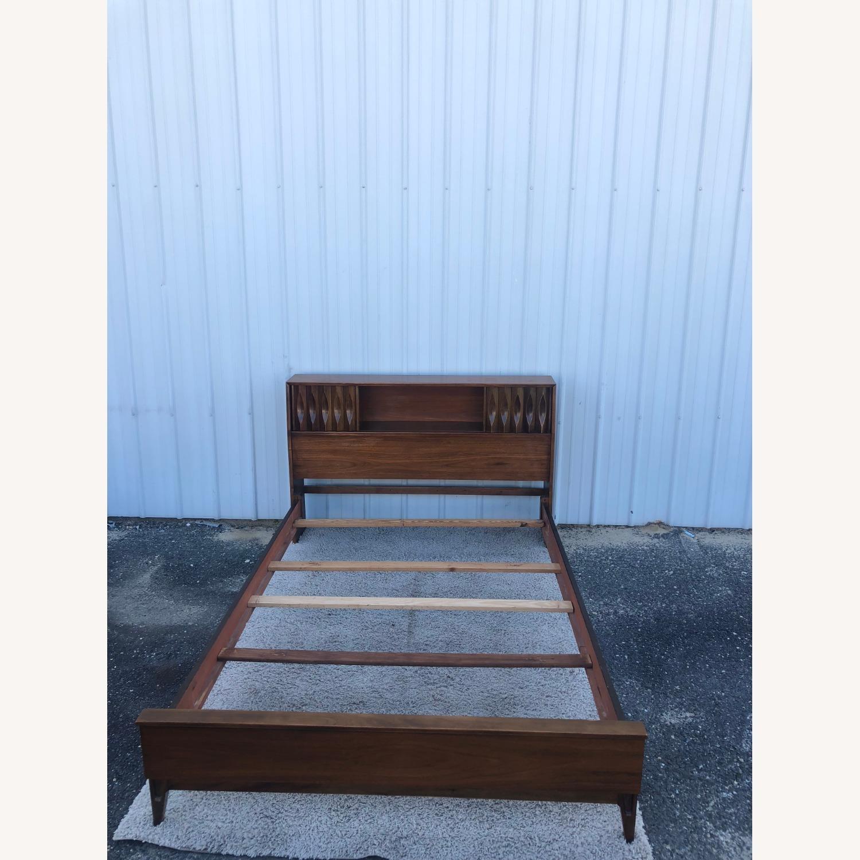Thomasville Mid Century Full Size Bed Frame - image-6
