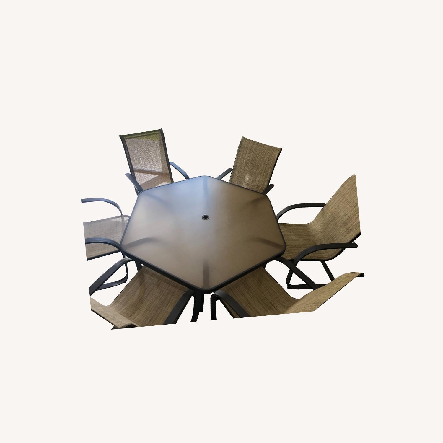 Outdoor Patio Set - 6 Chairs and Umbrella w/Base - image-0