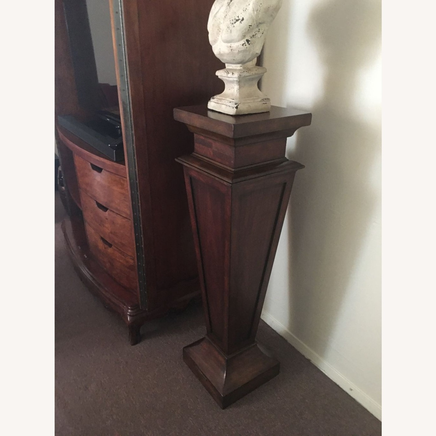 Neo Classical Pedestal With Bust - image-3