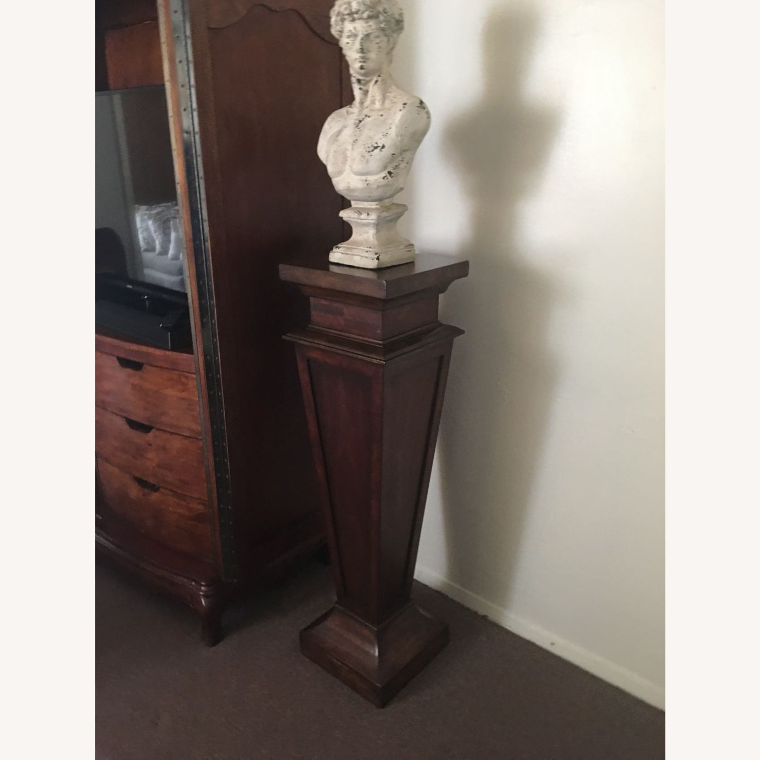 Neo Classical Pedestal With Bust - image-4