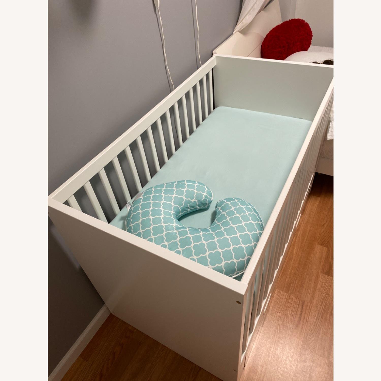 Baby's Crib - image-4