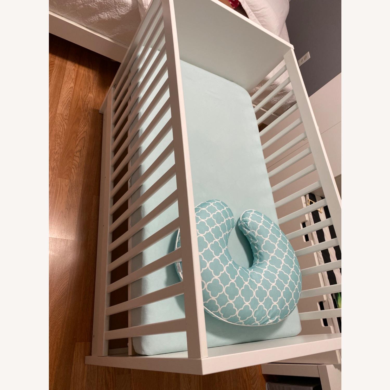 Baby's Crib - image-3