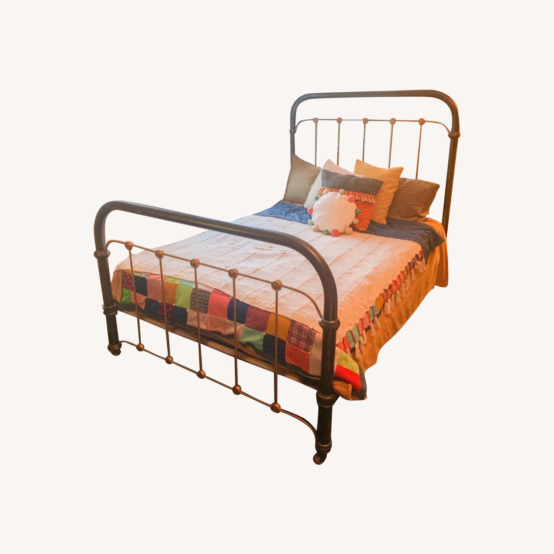 Vintage Cast Iron Bed Frame Aptdeco