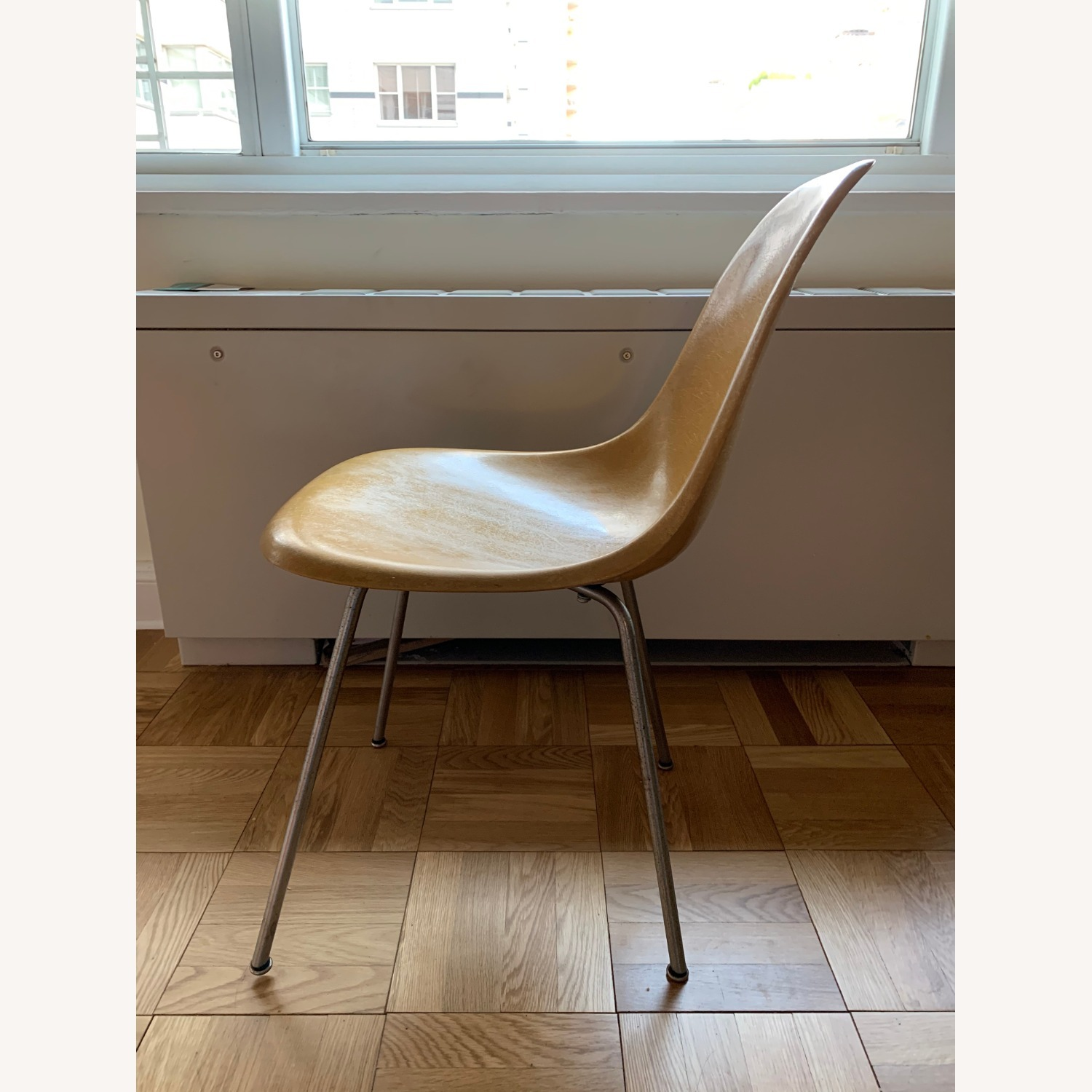 Set of 4 Case Study Chairs (Eames schoolchairs) - image-1