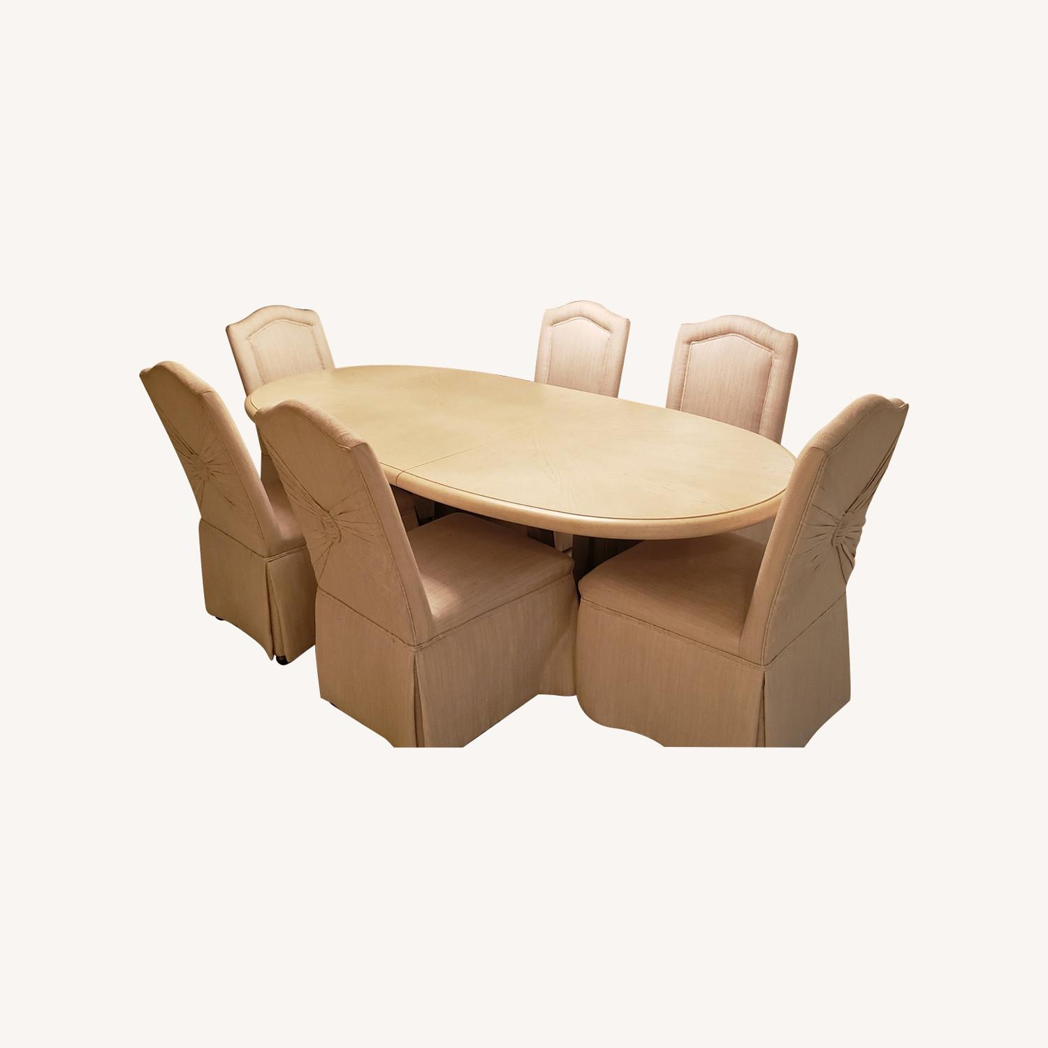 Drexel Heritage Table Set (6 chairs) - image-0