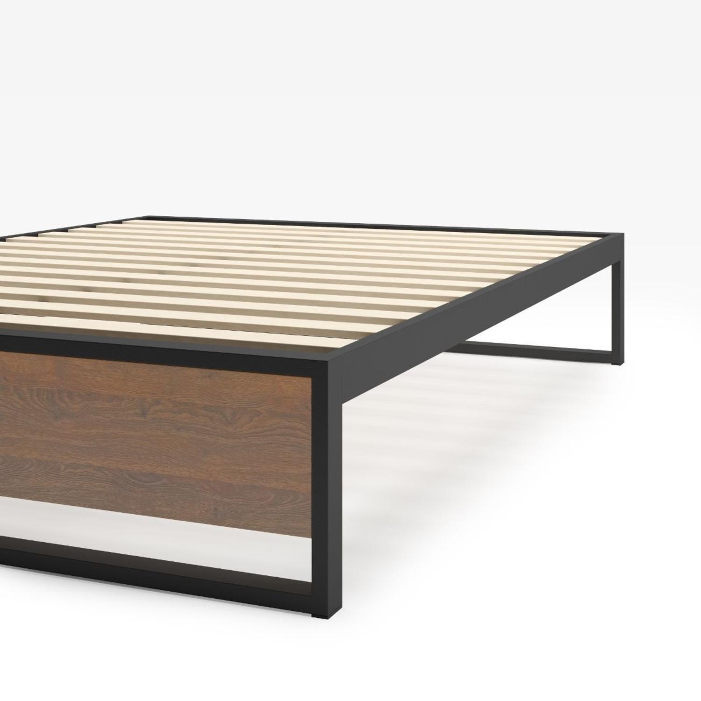Zinus Suzanne Metal and Wood Platforma Bed Frame - image-0