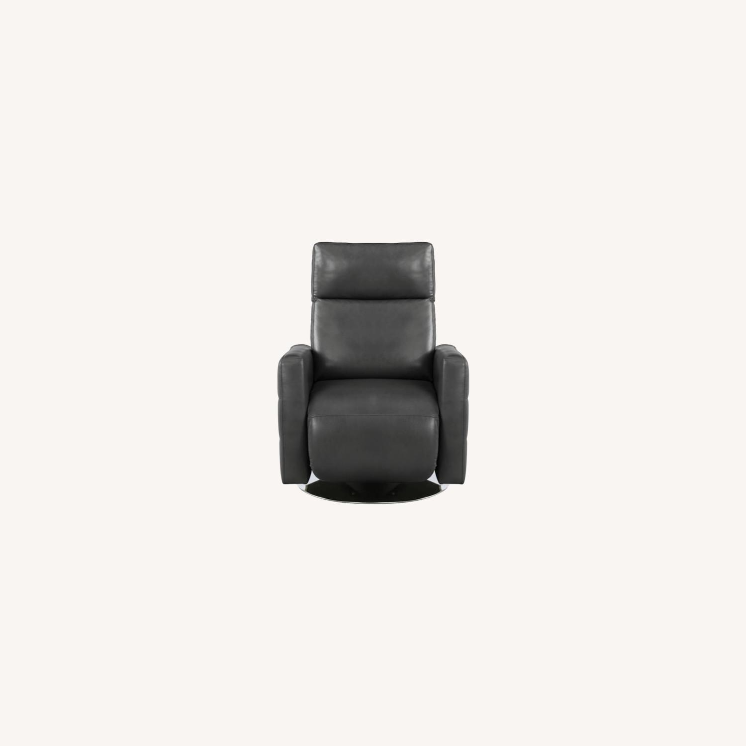 Swivel Recliner In Grey Performance - image-6