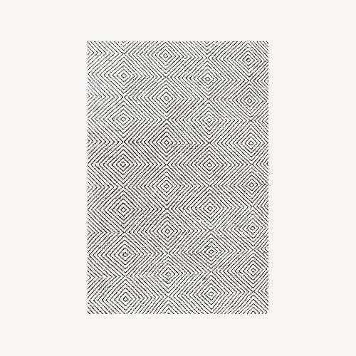 Used nuLOOM Geometric Black White Rug for sale on AptDeco