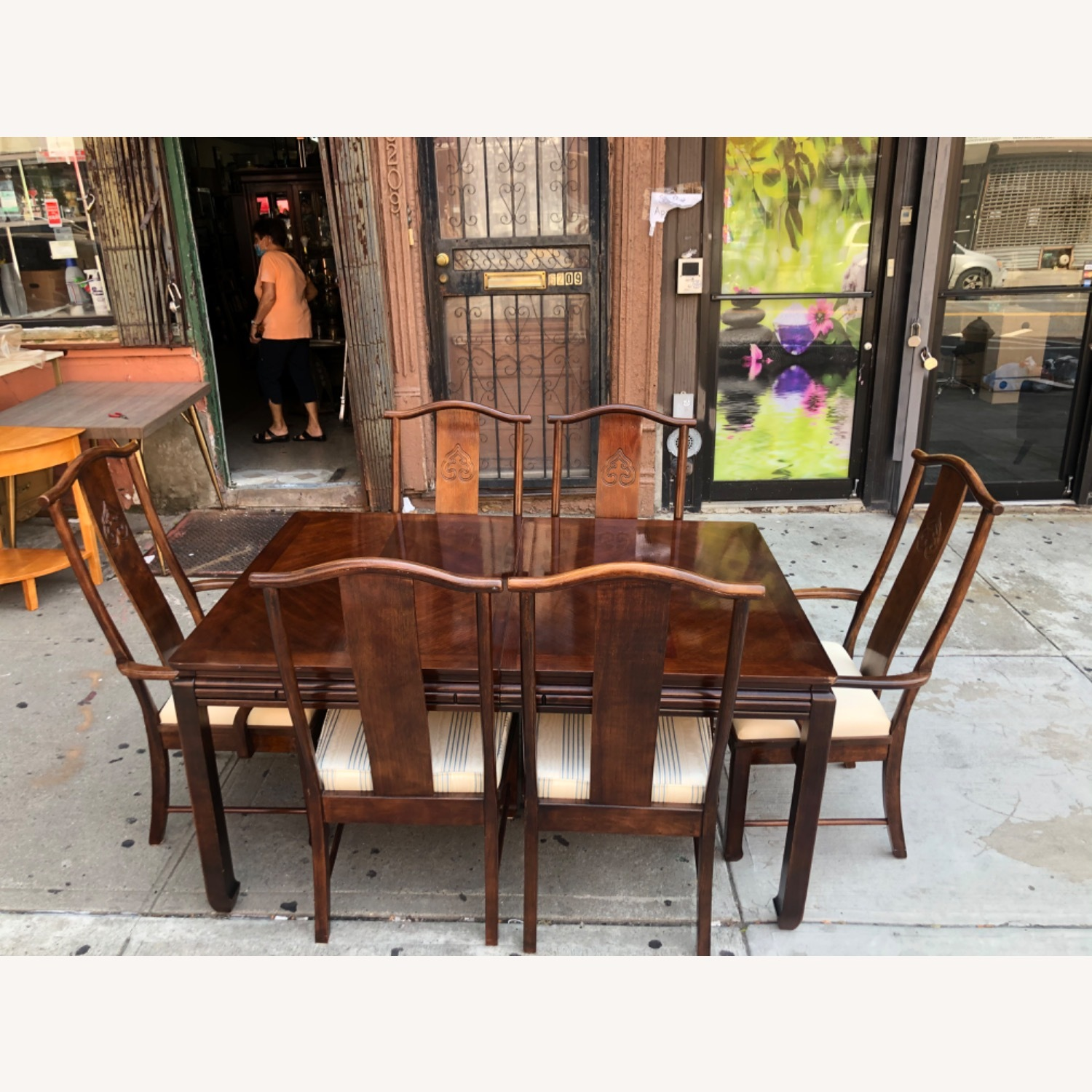Vintage 1970s Table w/6 Chairs & 2 Extension - image-1