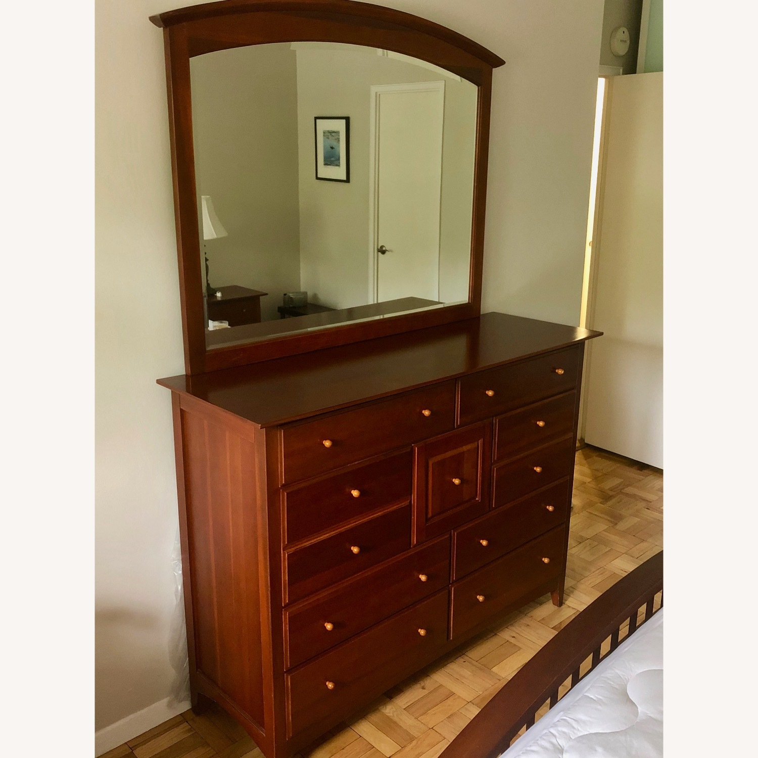 Thomasville Chest with Mirror - image-2