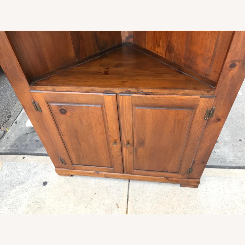 Mastercraft Vintage Pine Corner Cabinet Curio - image-11
