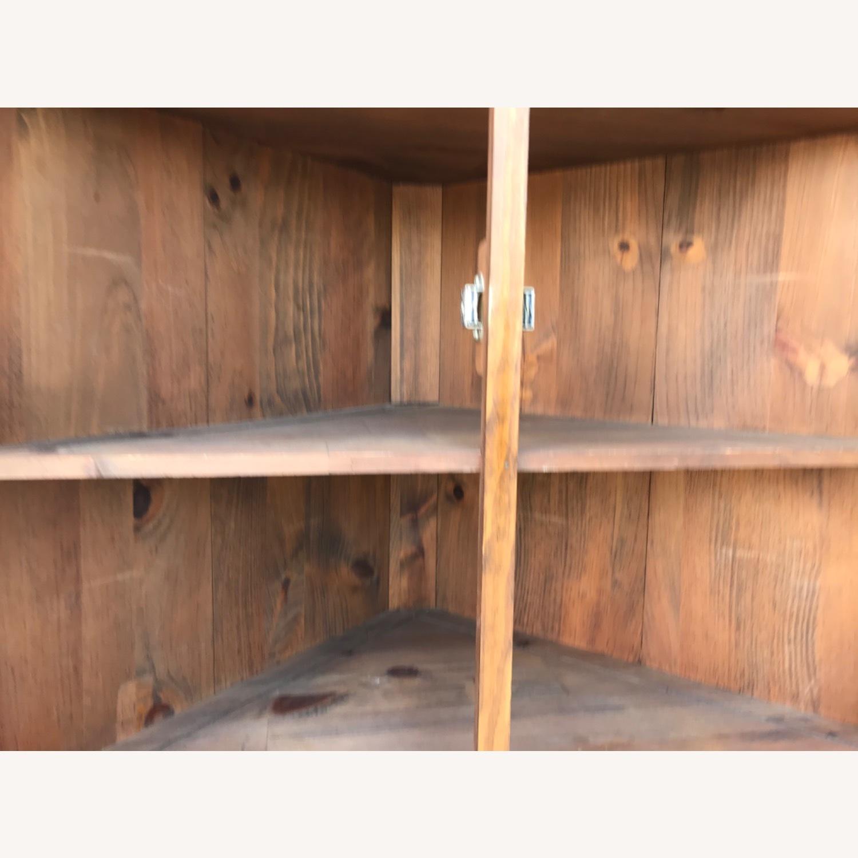 Mastercraft Vintage Pine Corner Cabinet Curio - image-15