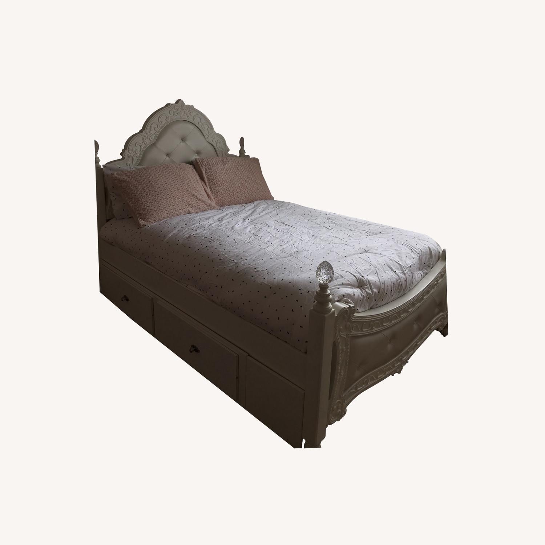 Teenage Bed - image-0