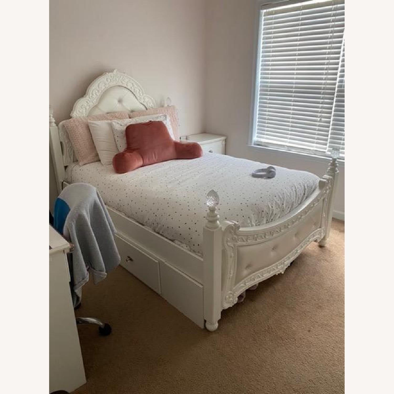 Teenage Bed - image-1