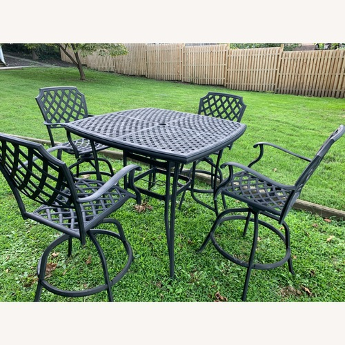 Used Fortunoff Cast Aluminum High Top Set for sale on AptDeco