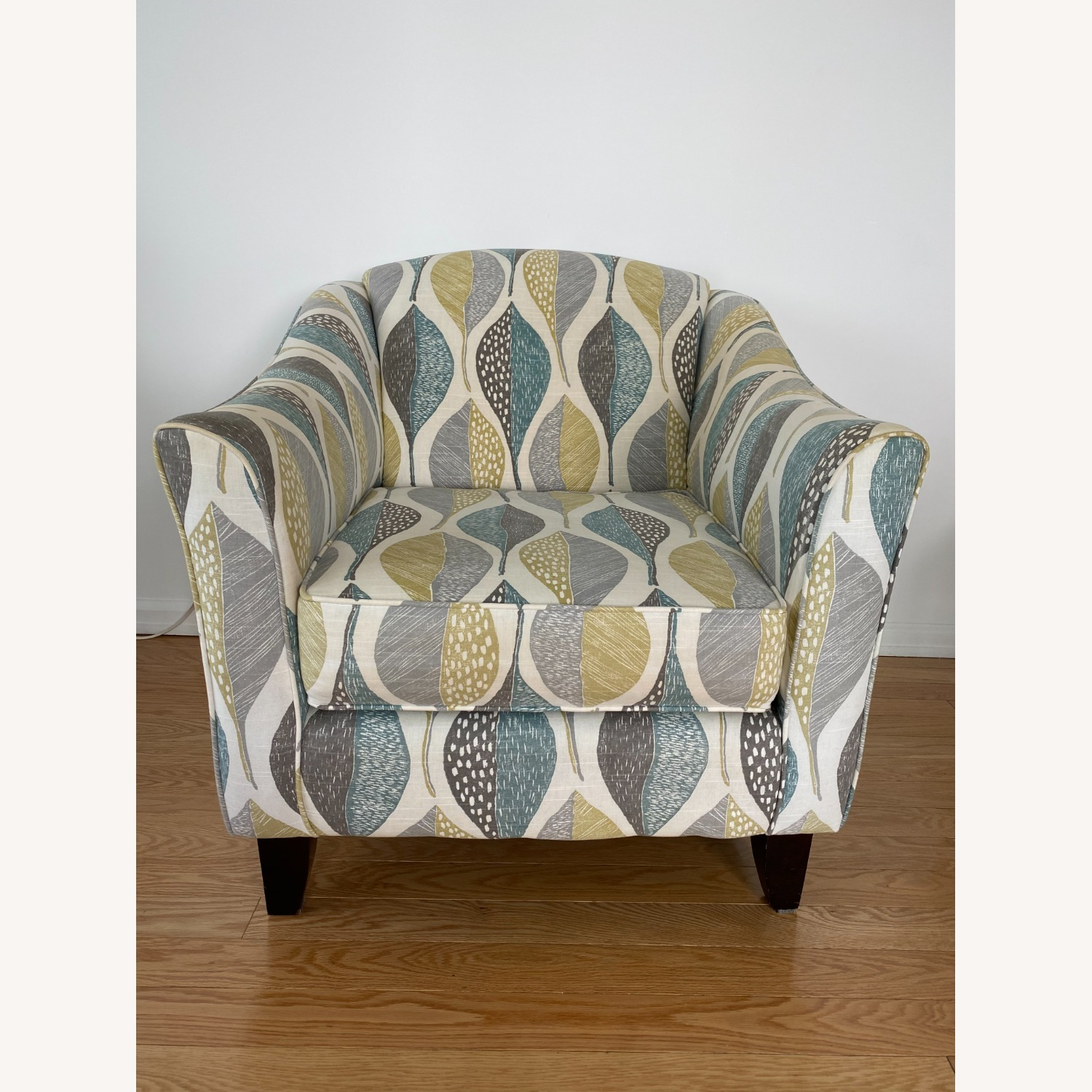 Raymour and Flanigan Accent Chair - image-1