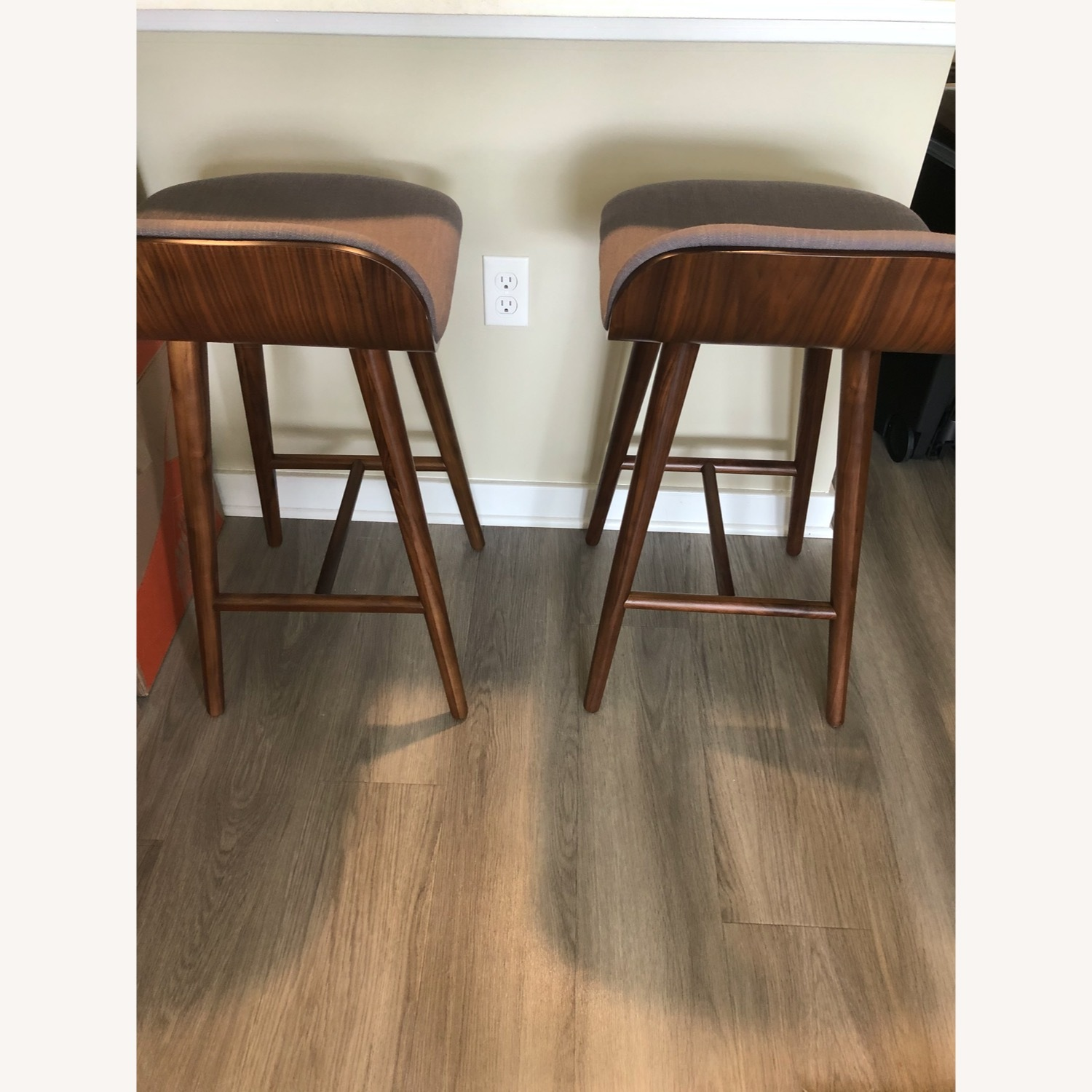 Article Counter Stool Set - image-4