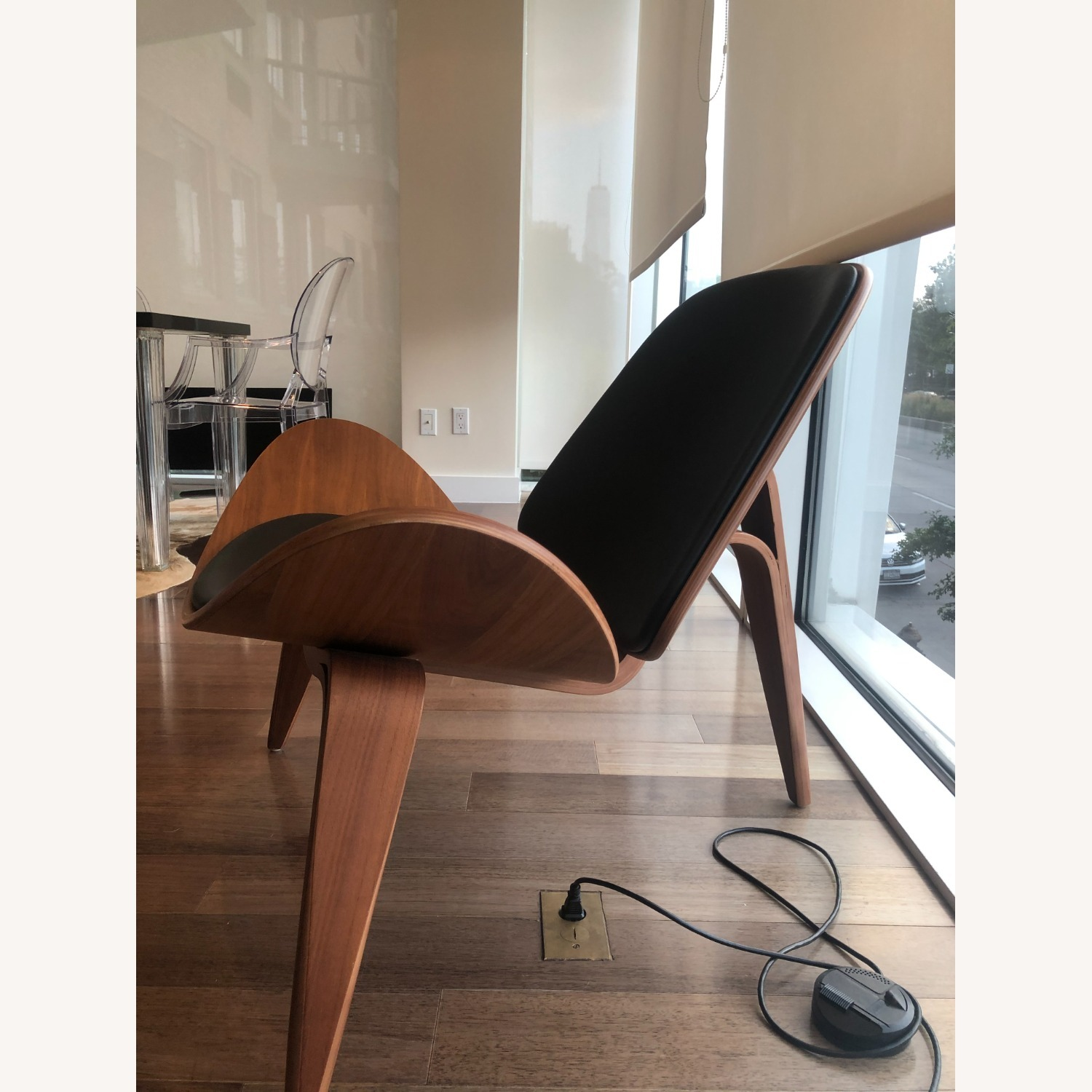 Sit Down New York Mitre Walnut and Black Leather Chair - image-5