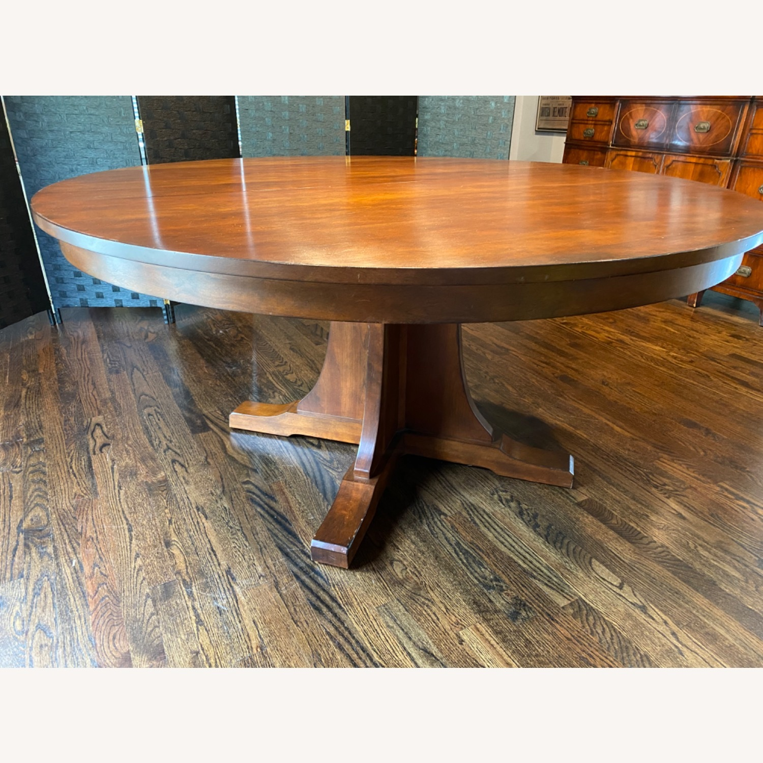 Stickley Round Dining Table with 3 Leaves - image-4