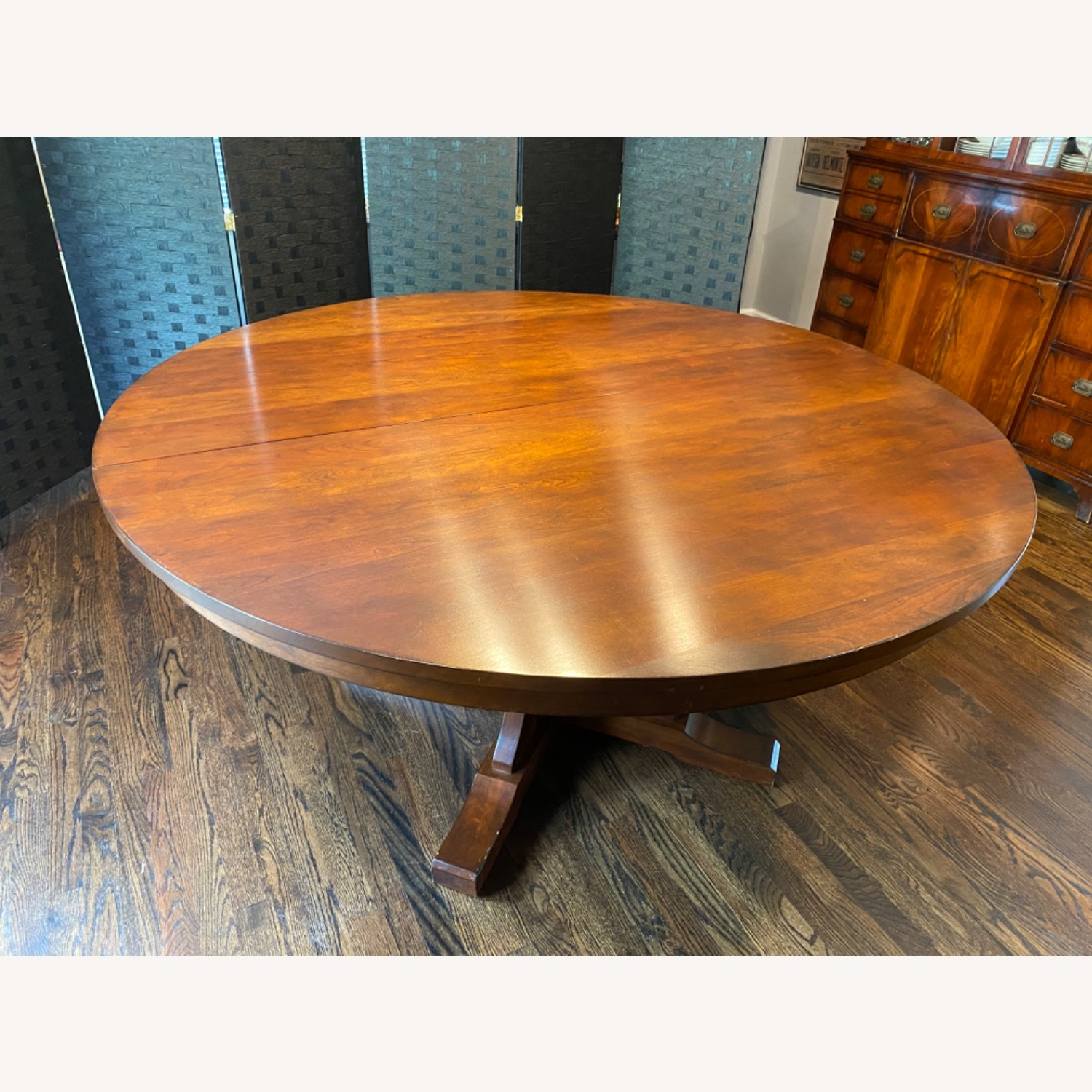 Stickley Round Dining Table with 3 Leaves - image-3