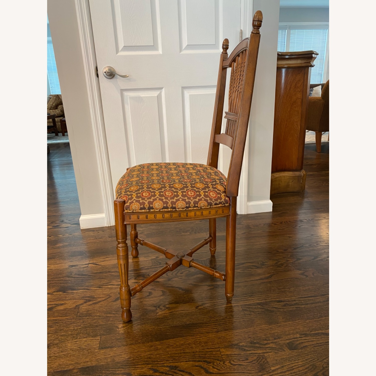 Stickley Wheat Back Dining Chairs set of 6 - image-7