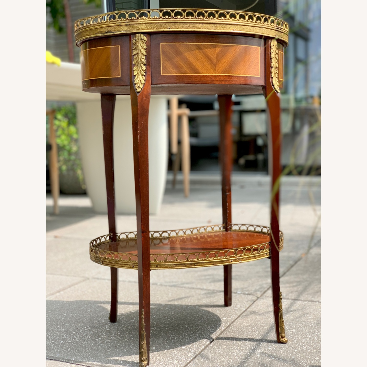 Pair of Kidney Accent Tables 50's Repro - image-4