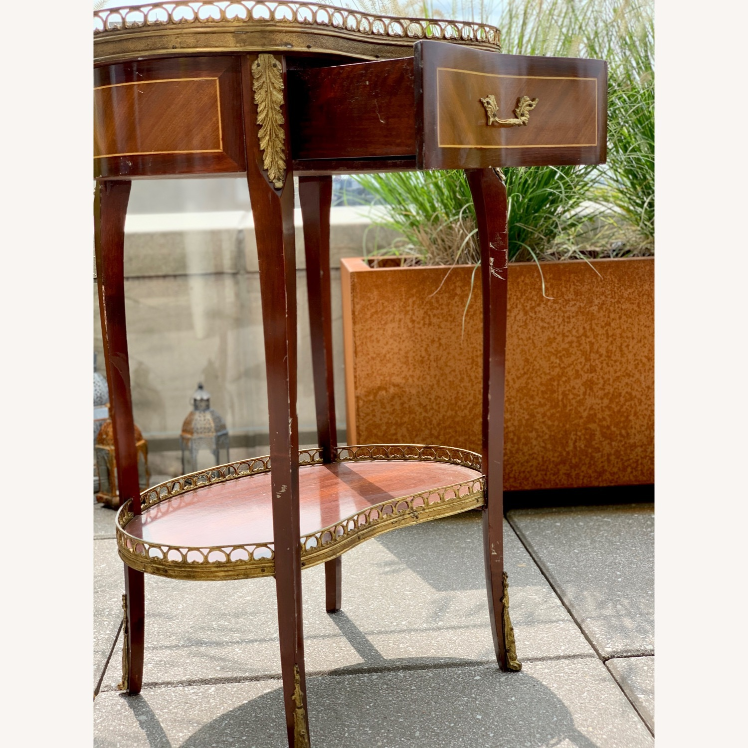 Pair of Kidney Accent Tables 50's Repro - image-6