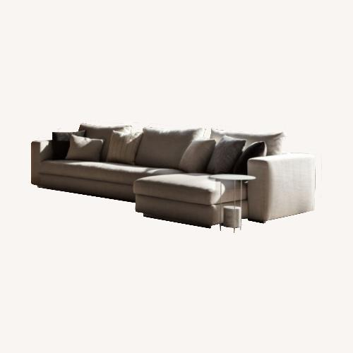 Used Molteni & Dada Revseri Sectional for sale on AptDeco