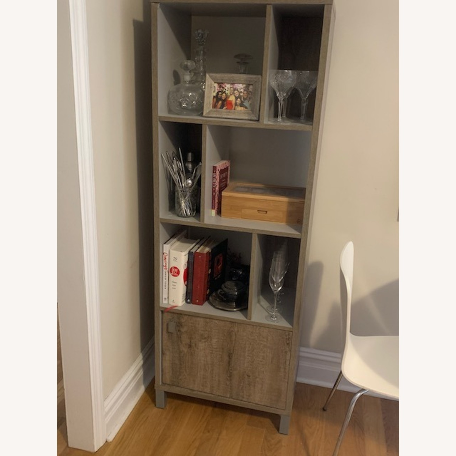 South Shore Expoz 6-Cube Shelving Unit With Door - image-1