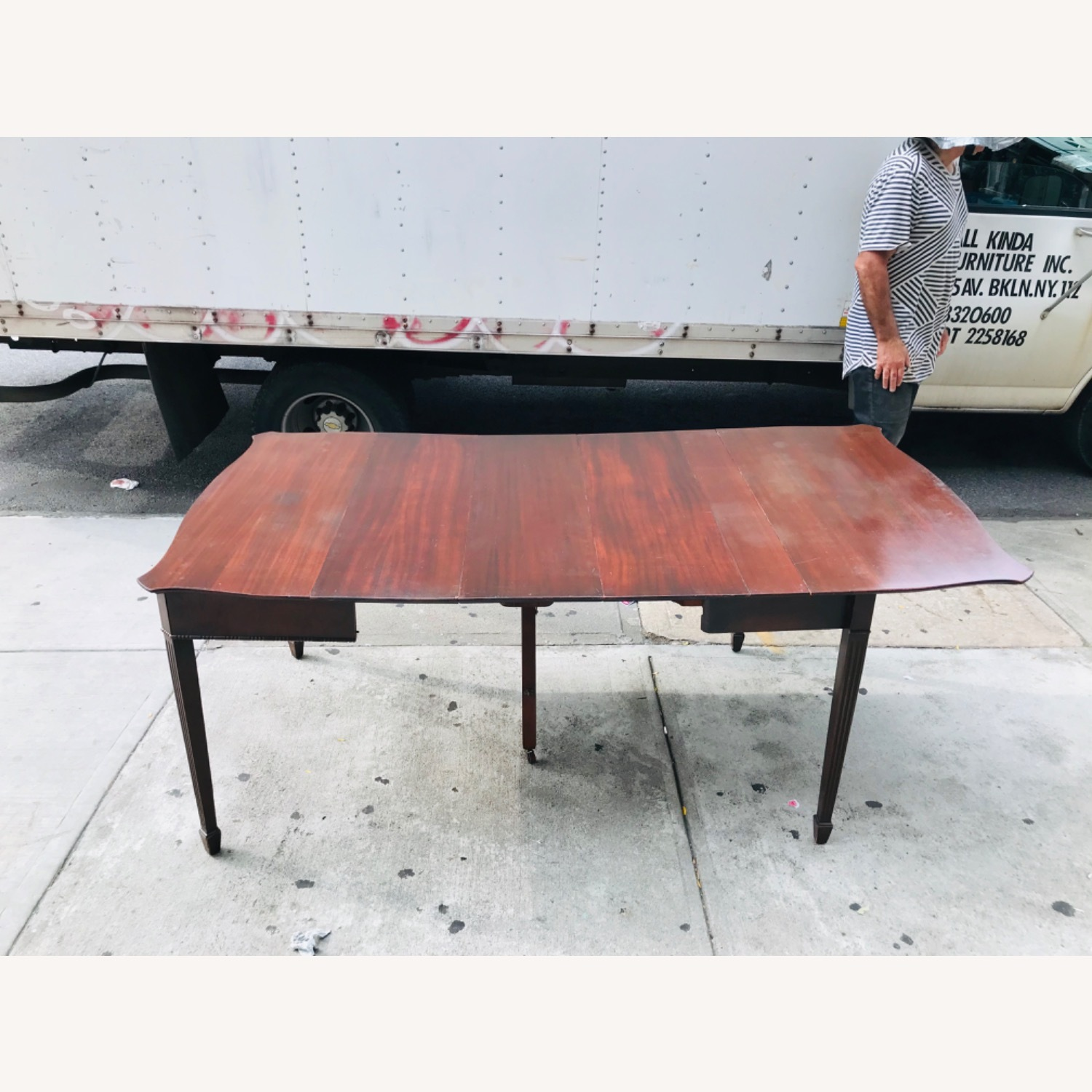 Antique 1920s Mahogany Table w/3 Leaves  - image-22