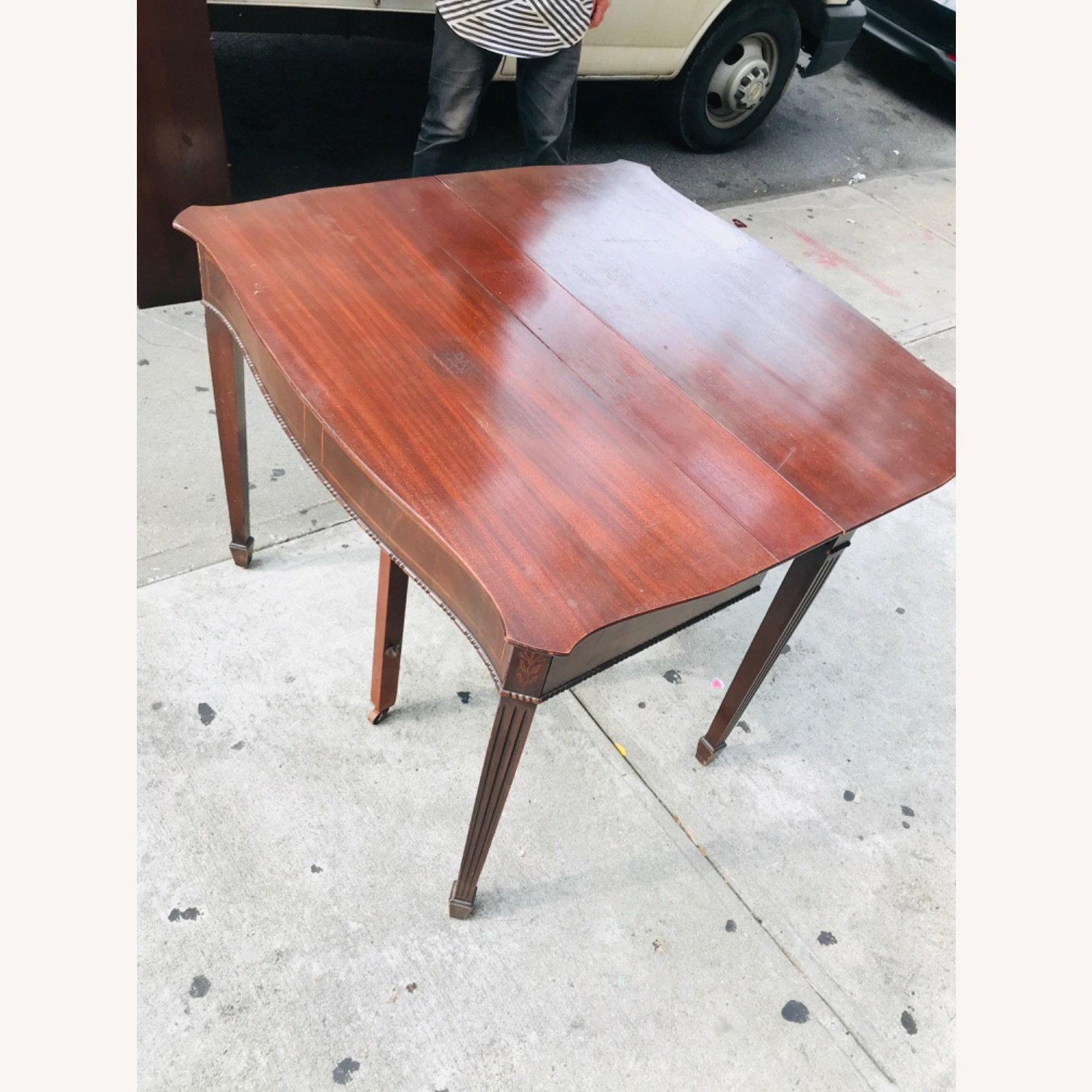 Antique 1920s Mahogany Table w/3 Leaves  - image-27
