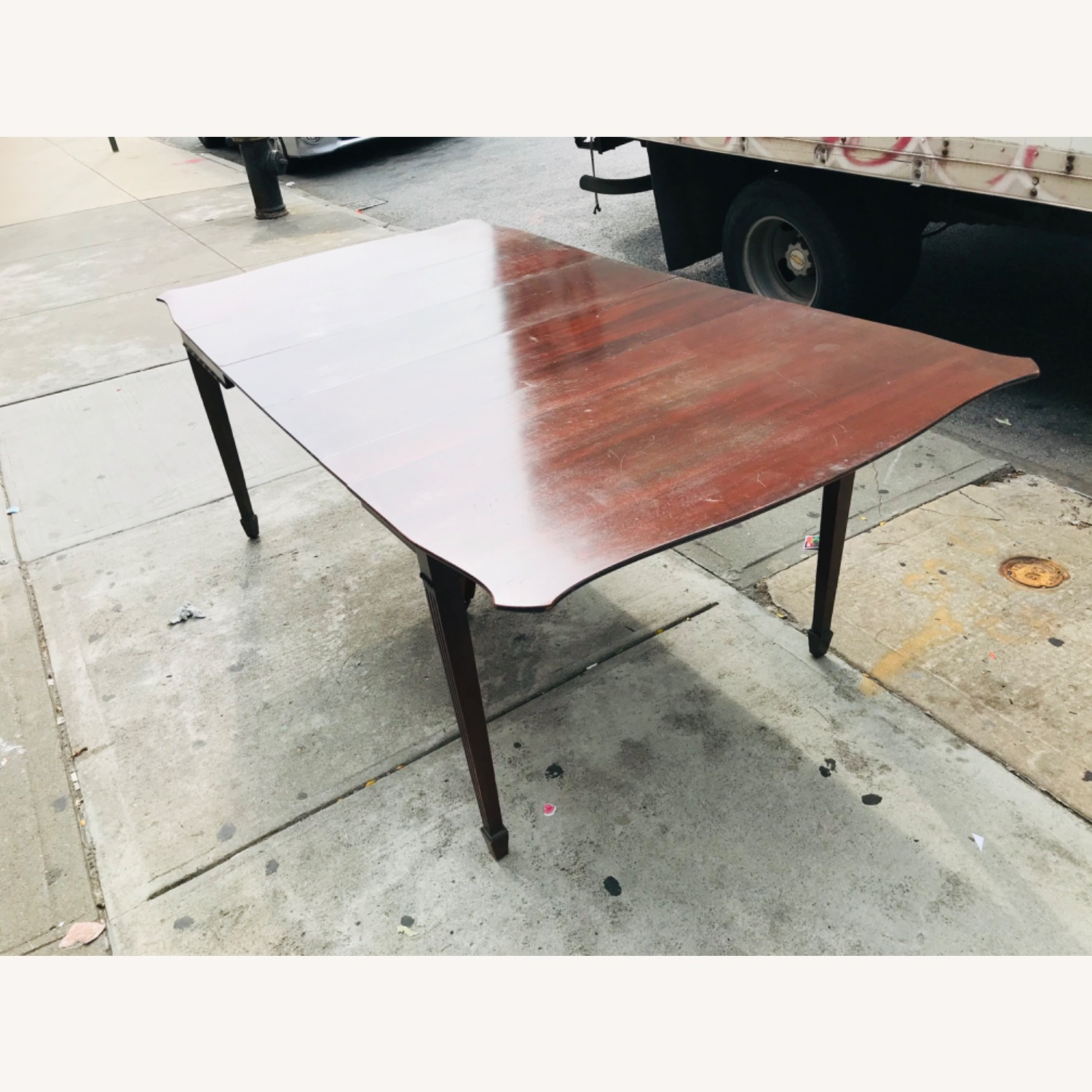 Antique 1920s Mahogany Table w/3 Leaves  - image-23