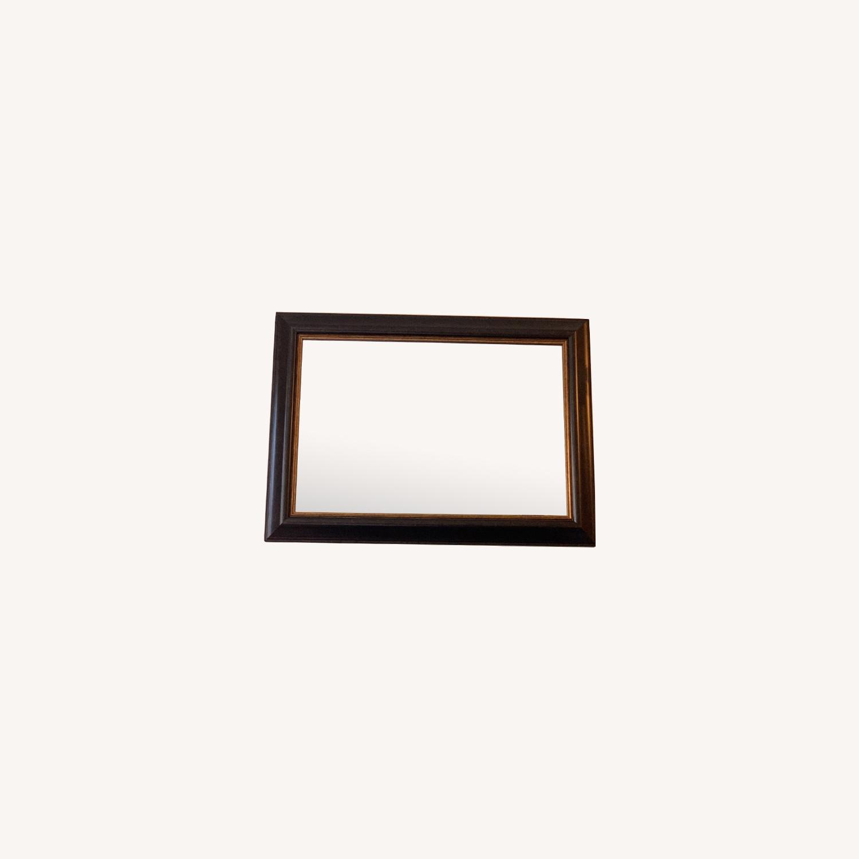 Elegant Mirror with Frame - image-0