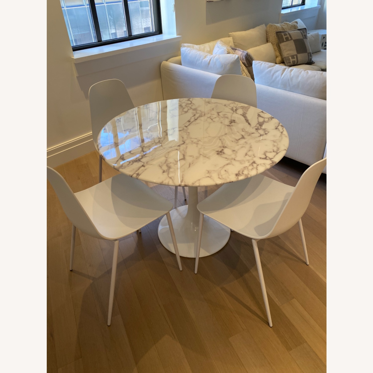 Round Marble Tulip Table - image-1