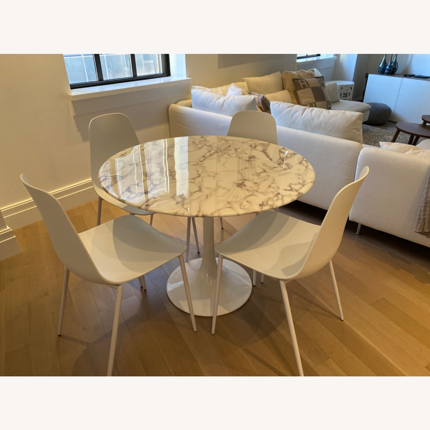 Round Marble Tulip Table - image-2