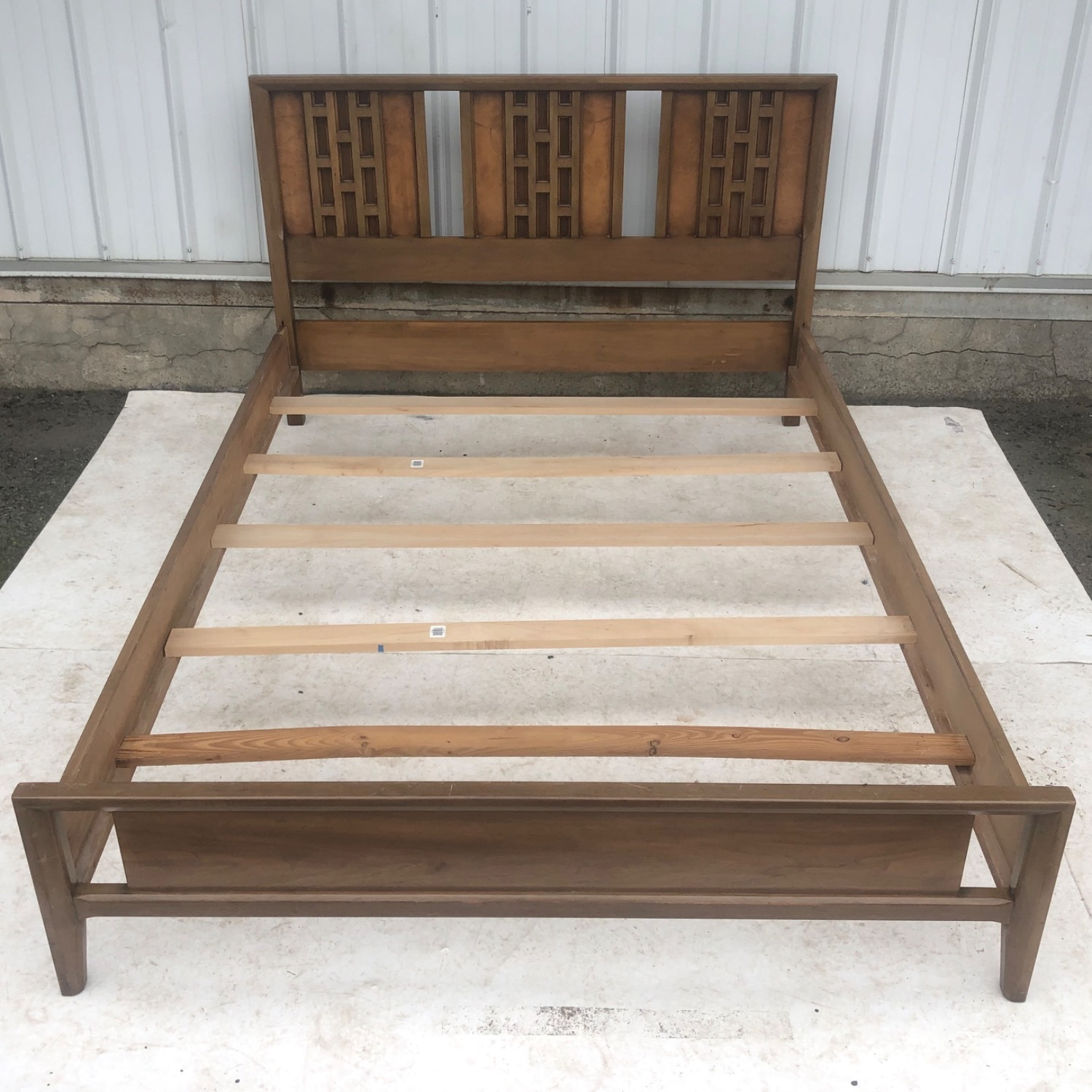 Mid-Century Modern Full Size Bed - image-2