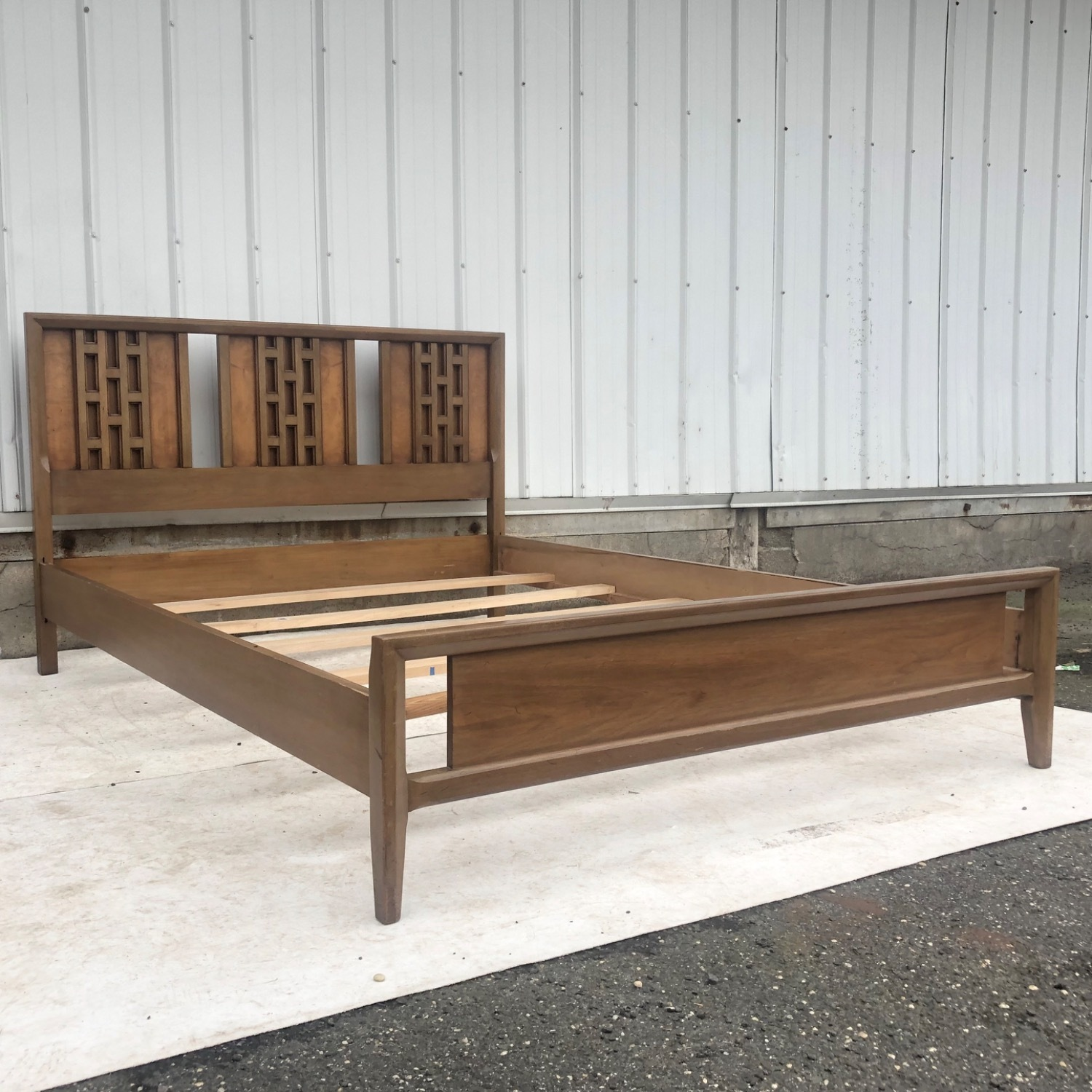 Mid-Century Modern Full Size Bed - image-3