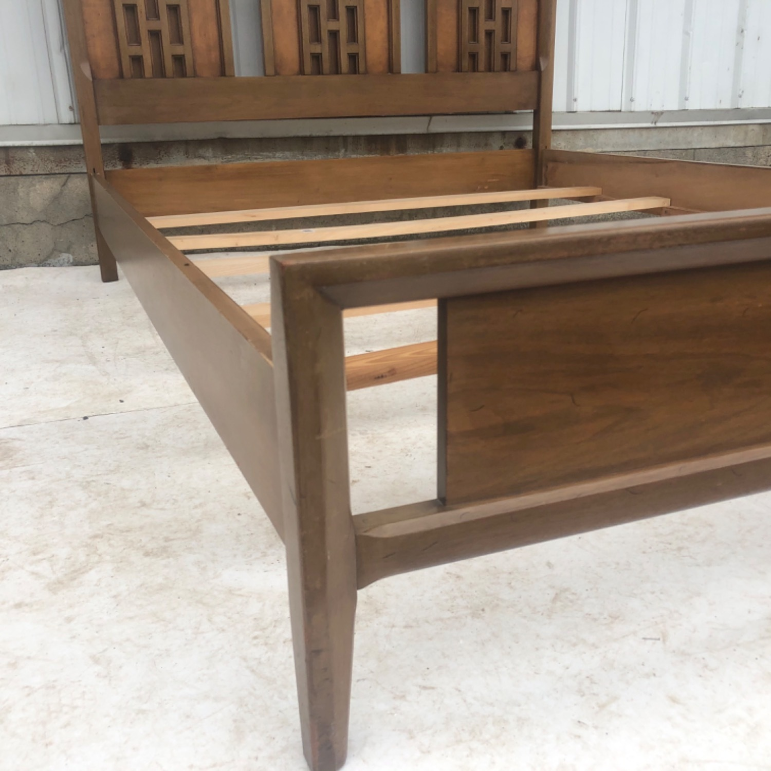Mid-Century Modern Full Size Bed - image-18