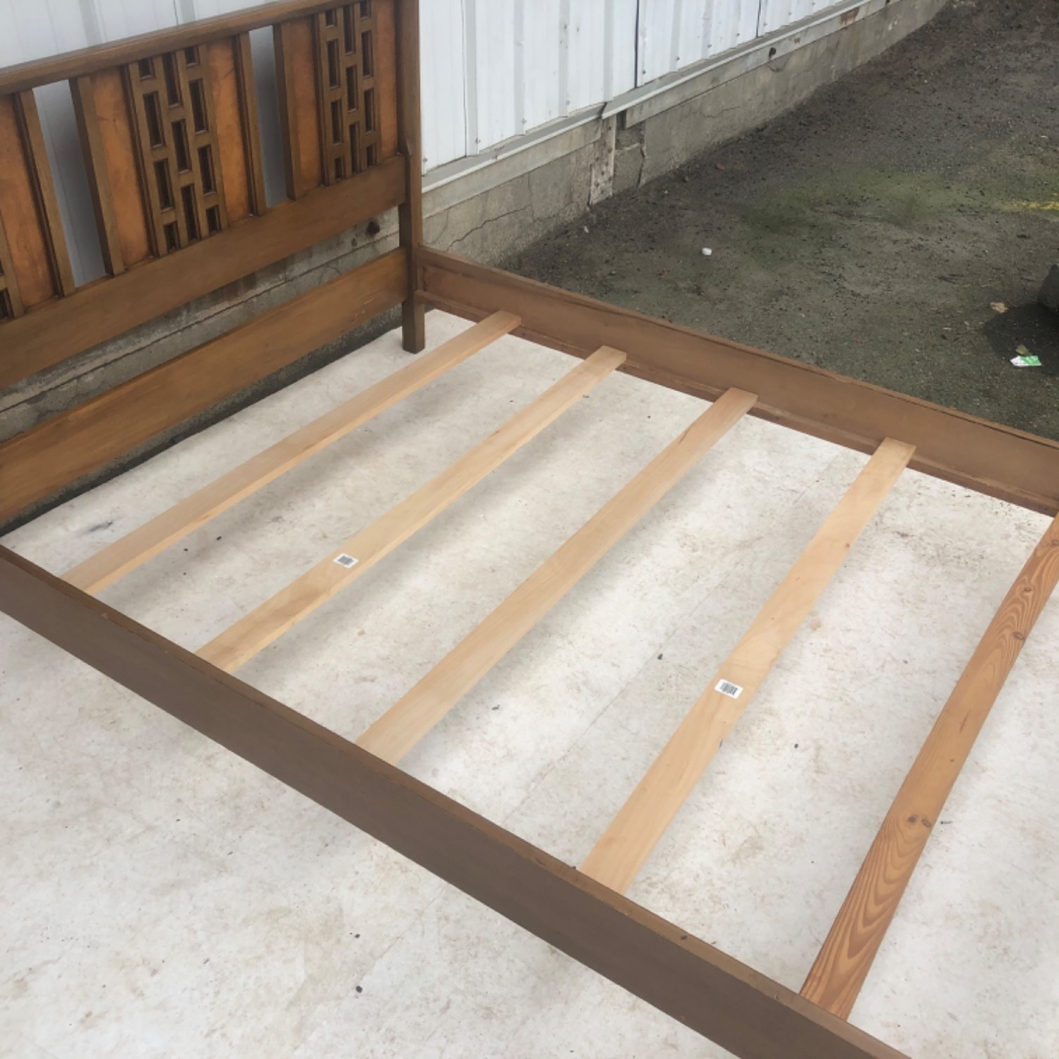 Mid-Century Modern Full Size Bed - image-17